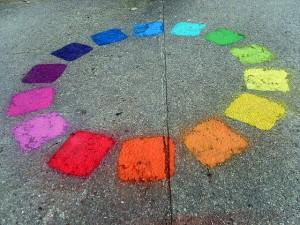 Gamme de couleurs peintent sur le pavé